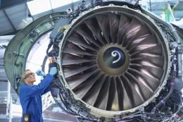 Digitalizace pomáhá oživit letecký a obranný průmysl