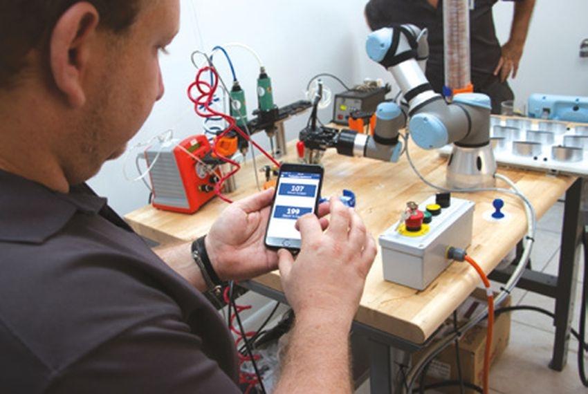 Roboty řeší výzvy montážní linky