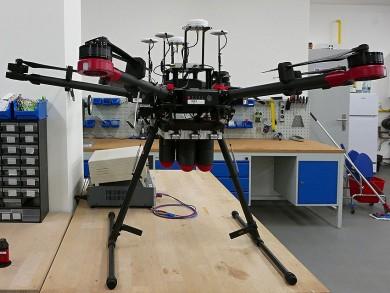 Drony pomáhají záchranářům u havárií díky unikátním 3D tištěným dílům