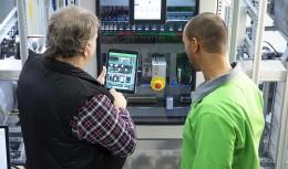 Rozšířená realita v praxi – EcoStruxure Augmented Operator Advisor