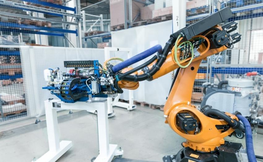 Integrace robotiky: Snadnější, předem nakonfigurovaná větší flexibilita a programovatelnost