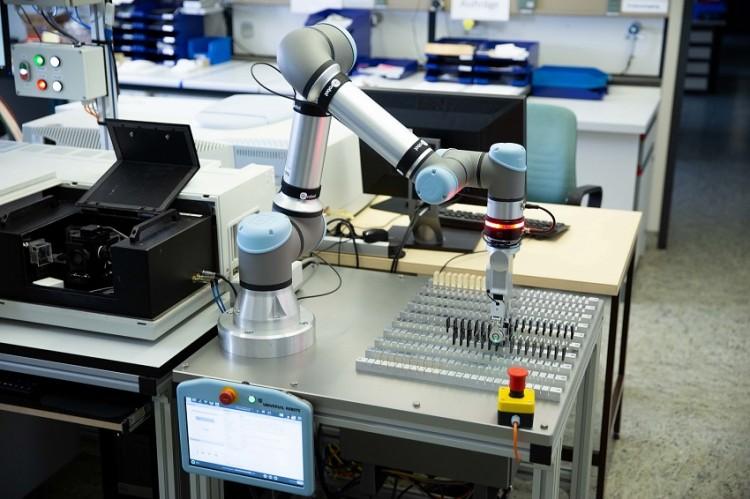 SCHOTT AG automatizuje kontrolu kvality