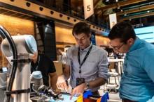 Šest způsobů, jak programování a údržba pomáhají při používání kolaborativních robotů