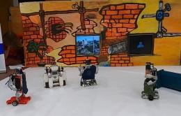 Čapkova hra RUR na konferenci ROBOTY 2021 netradičně roboticky