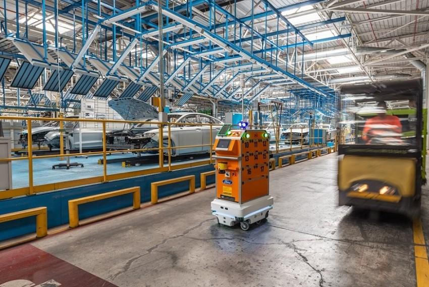 Mobilní roboty MiR ve FORD Motor