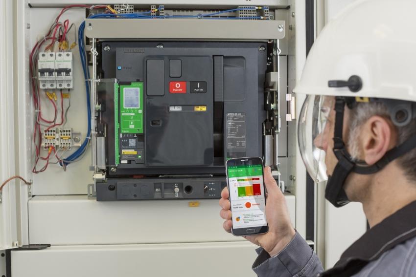 Retrofit v praxi. Modernizace vzduchových jističů za provozu firmám snižuje výrobní a finanční ztráty