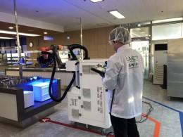 Proti koronaviru bojují vnemocnicích i roboty