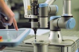 Trend Průmysl 5.0 k továrnám bez lidí nesměřuje