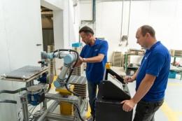 Využití kooperativního robotu při obrábění a paletizaci topných těles