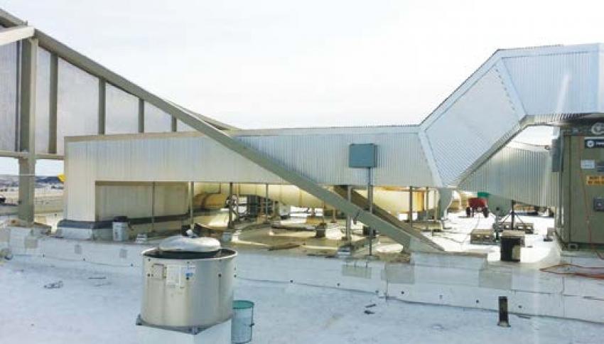 Neprofesionálně instalovaná tepelná izolace může poškodit zařízení a způsobit obsluhujícímu personálu zranění