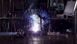 Aplikační nasazení MES terminálu noax ve strojírenské vyrobě