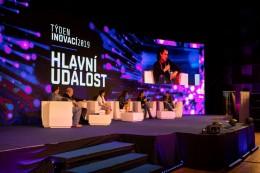 Člena první izraelské mise na Měsíc míří na týden inovací