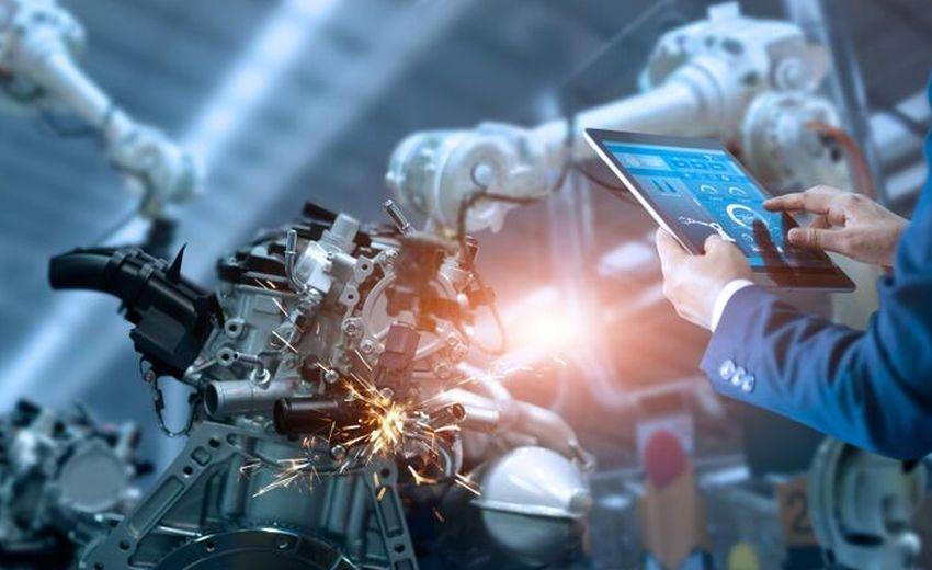 Odborníci varují před přeceňováním náhrady lidí automatizací